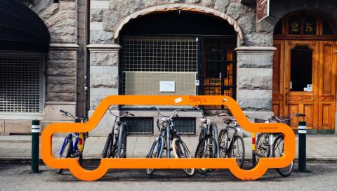 UBER will mehr Fahrräder und Roller statt Autos