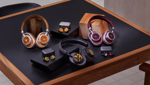 Oliver Peoples x Master & Dynamic: Diese Collab vereint Style und High-End-Sound