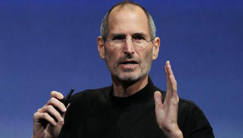 """iPhone 12 Pro: Dieses Modell von """"Caviar"""" enthält ein Stück von Steve Jobs' Pullover"""