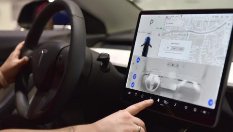 Tesla: Diese witzigen Funktionen verstecken sich in den E-Autos