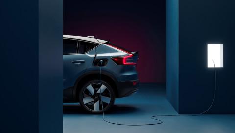 Volvo C40 Recharge: Sportliches E-SUV begeistert mit Coupé-Heck und 408 PS