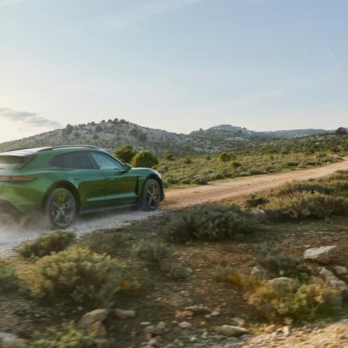 Porsche Taycan Cross Turismo: Der E-Porsche mit Offroad-Genen