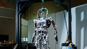Freund, Feind, Maschine - Ein Besuch in den geheimen Roboterwerkstätten