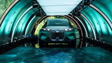 Der BMW Vision iNext ist ein elektrisches Avantgarde-SUV ohne Knöpfe oder Tasten