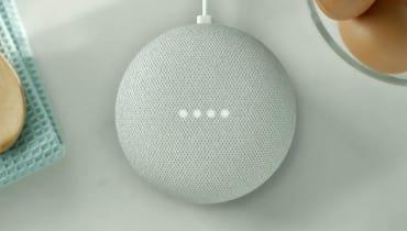 Der Google Home Mini ist ein würdiger Konkurrent zum Echo Dot