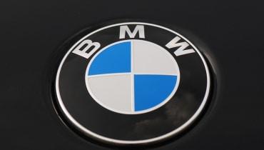 Der BMW i4 soll eher brav und massentauglich aussehen