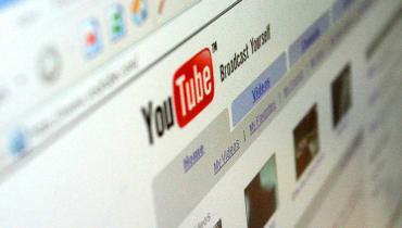 YouTube vervollständigt Suchanfragen mit verstörenden Phrasen