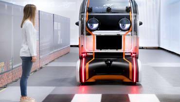 Jaguar Land Rover verpasst einem selbstfahrenden Auto riesige Augen