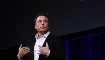 Elon Musk hält Wort: Model 3 bringt Tesla zurück in die Gewinnzone