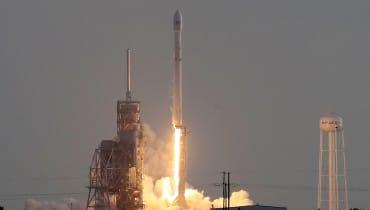 SpaceX befördert einen geheimen Militärsatelliten ins All
