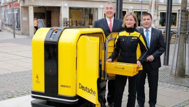 Der Zustellroboter PostBOT soll Briefträger entlasten