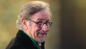 """Spielberg dreht für Apple die TV-Serie """"Unglaubliche Geschichten"""" neu"""