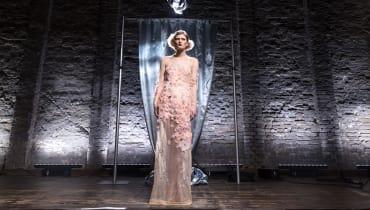 Marlene Dietrichs Traum vom Leucht-Kleid wird zum 25. Todestag erfüllt