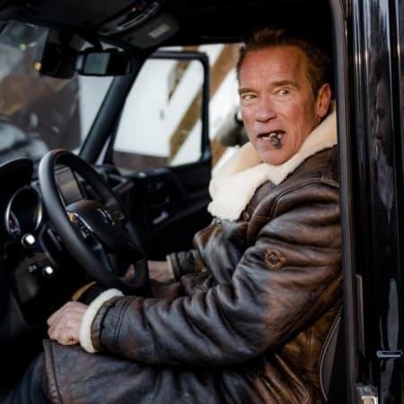 Stromer : Von Schwarzenegger bis Damon - Das sind die E-Autos der Stars