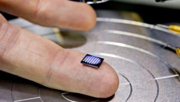 IBM hat jetzt einen salzkorngroßen Computer für die Blockchain