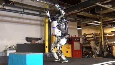 Boston Dynamics: Roboter Atlas kann jetzt Parkour