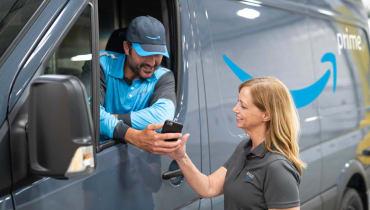 Amazon will Logistik-Unternehmern Autos und Benzin schenken