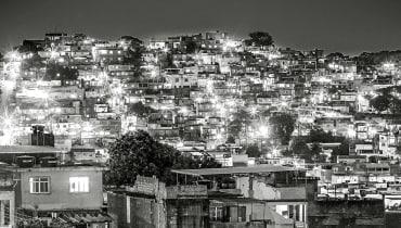 Mit Smartphones gegen die Gewalt in Rios berüchtigster Favela
