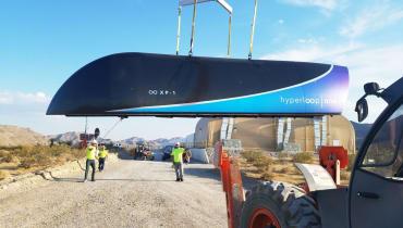 Virgin Hyperloop One will 2019 eine 150-Kilometer-Röhre in Indien bauen