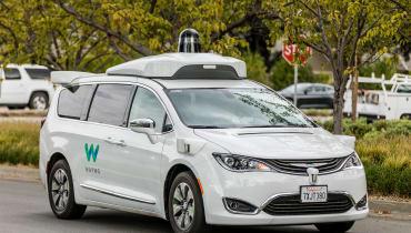 Das Google-Startup Waymo bestellt 62.000 selbstfahrende Minivans bei Fiat