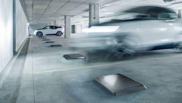 Matrix Charging: Kabelloses Laden erstmals an einem BMW i3 präsentiert