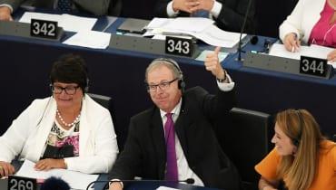 Upload-Filter und Leistungsschutzrecht: Das EU-Parlament beerdigt das Internet, das wir kennen