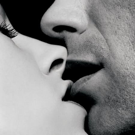 практически губы гифка поцелуй мужчины решение расстаться