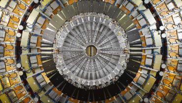 Der Teilchenbeschleuniger am CERN sucht Dunkle Materie