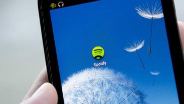 Wie findet Spotify heraus, welche Musik uns gefällt?