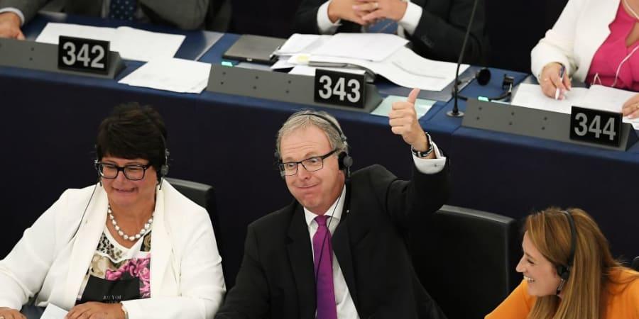 Upload-Filter und Leistungsschutzrecht: Das EU-Parlament beerdigt das Internet, das wir kennen | WIRED Germany