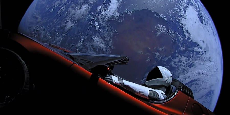 Der Weltraum Tesla Von Spacex Hat Den Mars Passiert Wired Germany