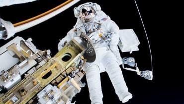 Schwebende Blutlachen: Von einer OP im Weltraum ist abzuraten!
