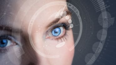 Facebook kann geschlossene Augen auf Fotos öffnen – mit Hilfe einer KI