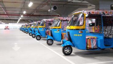 In Indien liefert IKEA seine Möbel mit Elektro-Rikschas