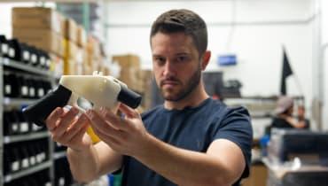 Behörden suchen wegen Kindesmissbrauchs nach 3D-Waffenentwickler