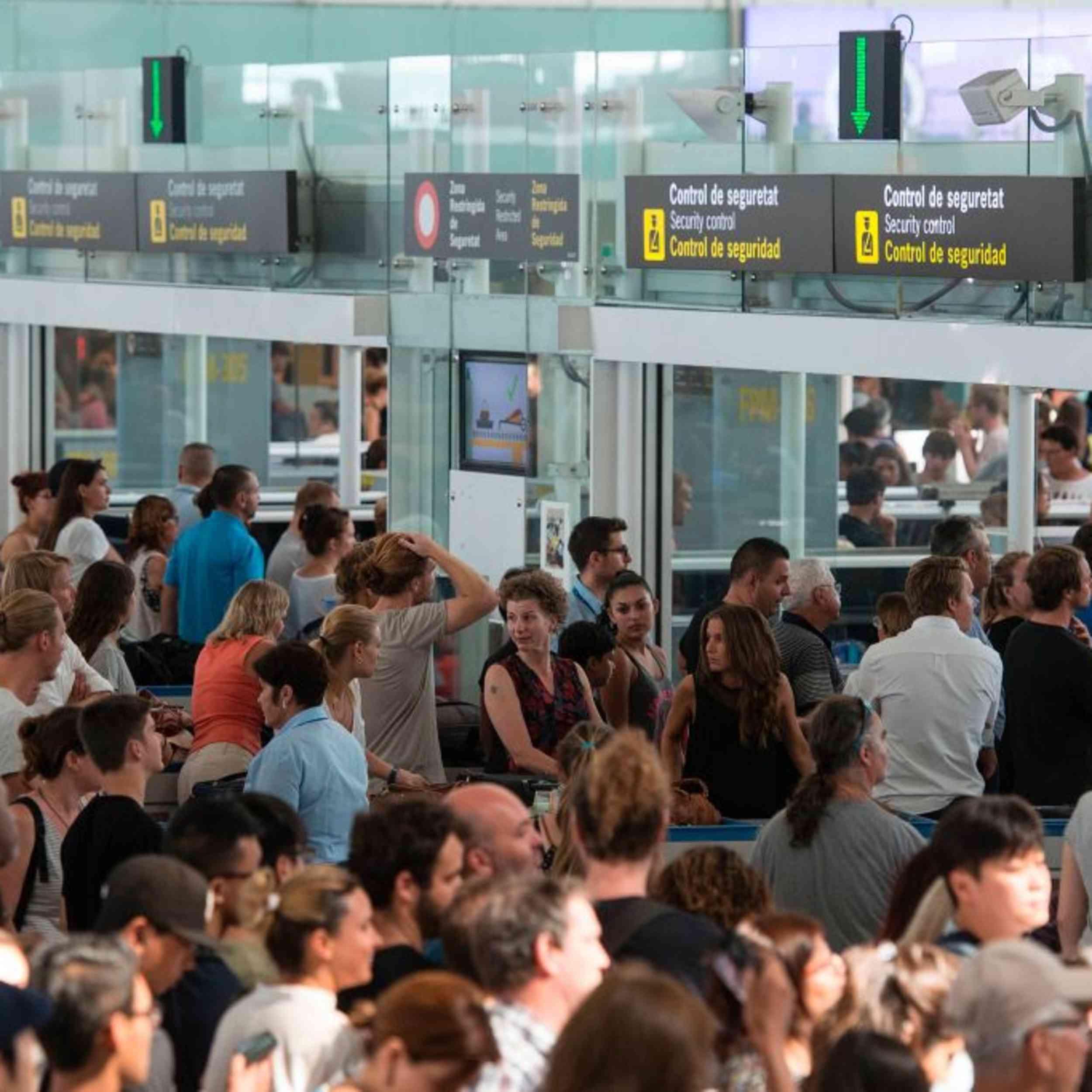 Gesichtserkennung ist unheimlich, verkürzt aber die Wartezeit am Flughafen   WIRED Germany