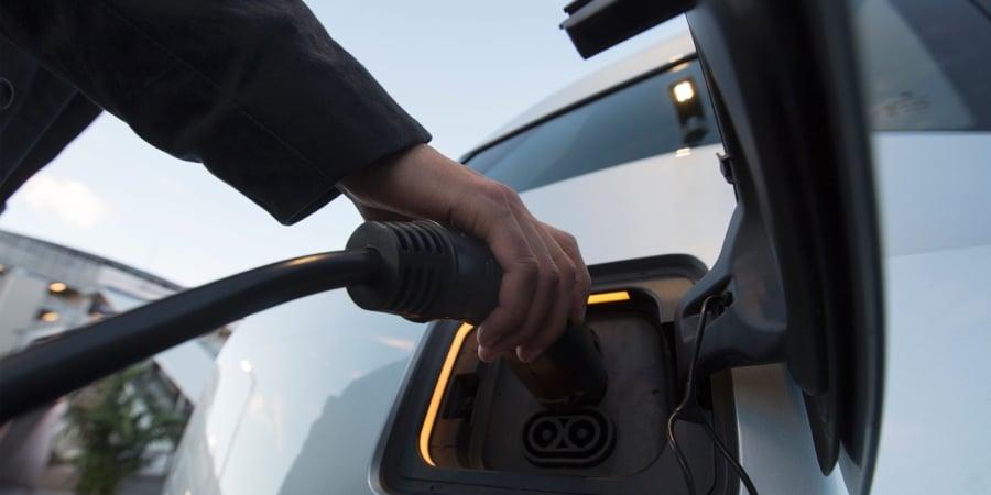 E-Tankstellen: Telekom plant einheitlichen Tarif für Ladesäulen | WIRED Germany