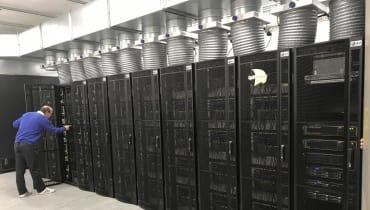 Neuer Supercomputer zur Simulation des Gehirns ist einsatzbereit