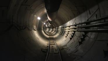 So sieht die Fahrt durch den Loop-Tunnel von Elon Musk aus