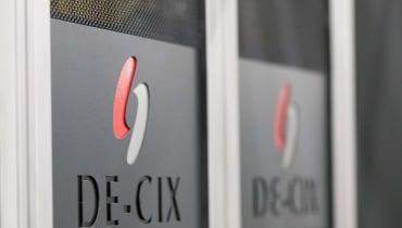 Internetknoten-Betreiber zieht vors Verfassungsgericht: Darf der BND anlasslos Daten abzapfen?