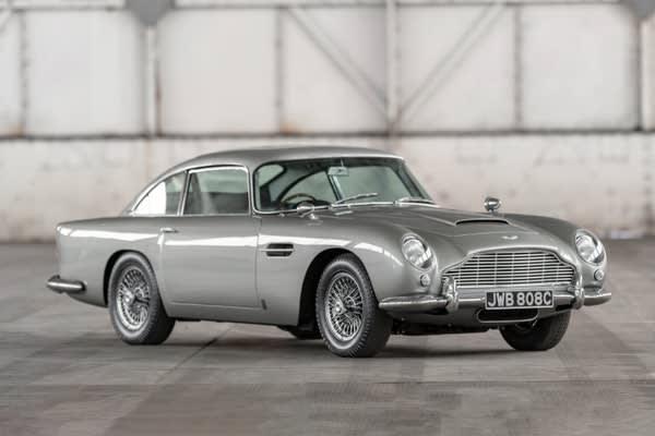 Den Aston Martin Db5 Von James Bond Können Sie Jetzt Kaufen Auto Und Technik Gq