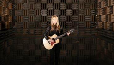 Beatie Wolfe steht auf Vinyl – und macht deshalb Augmented Reality