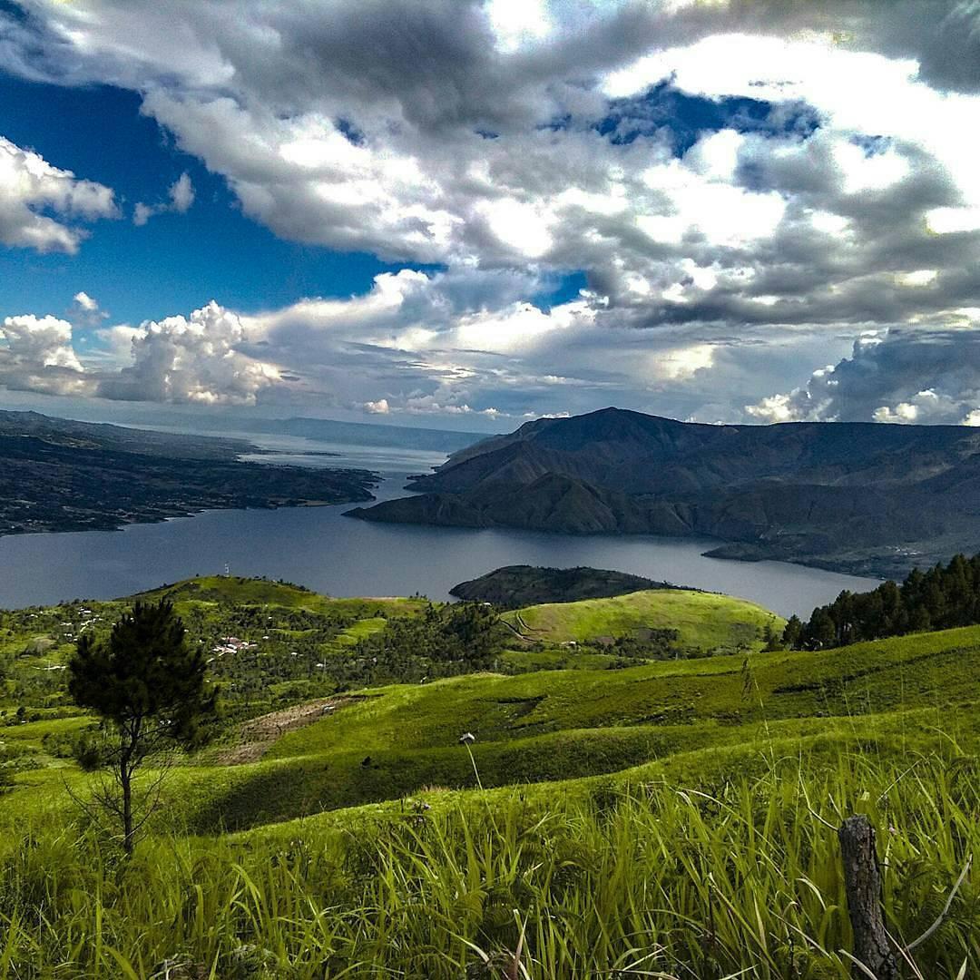 Gunung Pusuk Buhit