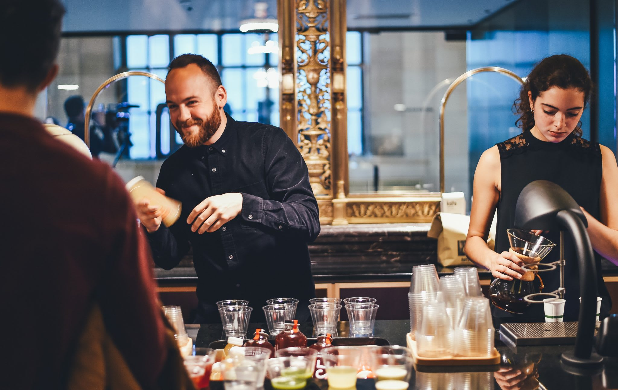 Top 5 Qualities to Look For in a Bar Manager