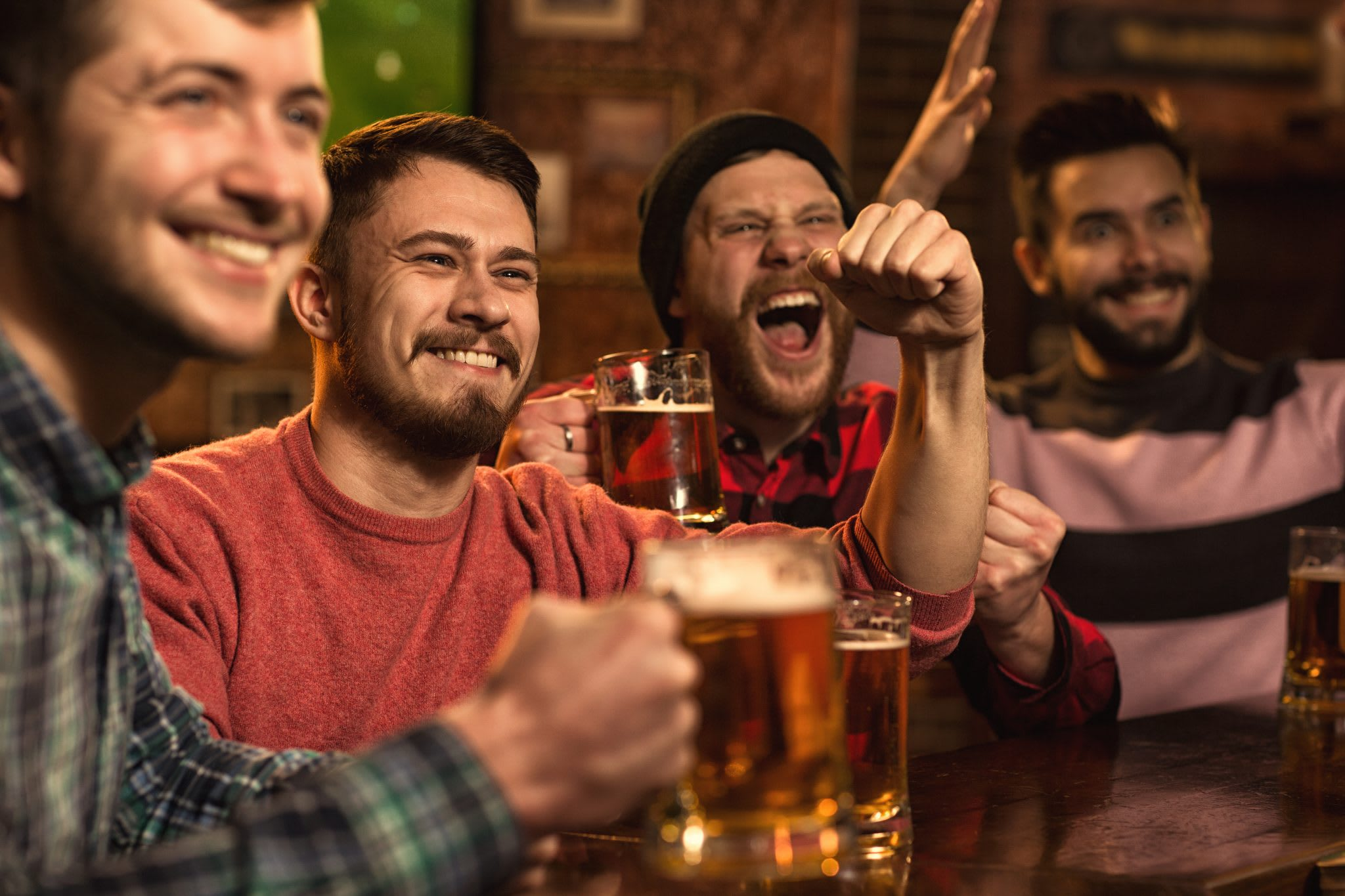 How to Drive Repeat Visits Through Entertainment (7 Ideas for Bars & Restaurants)