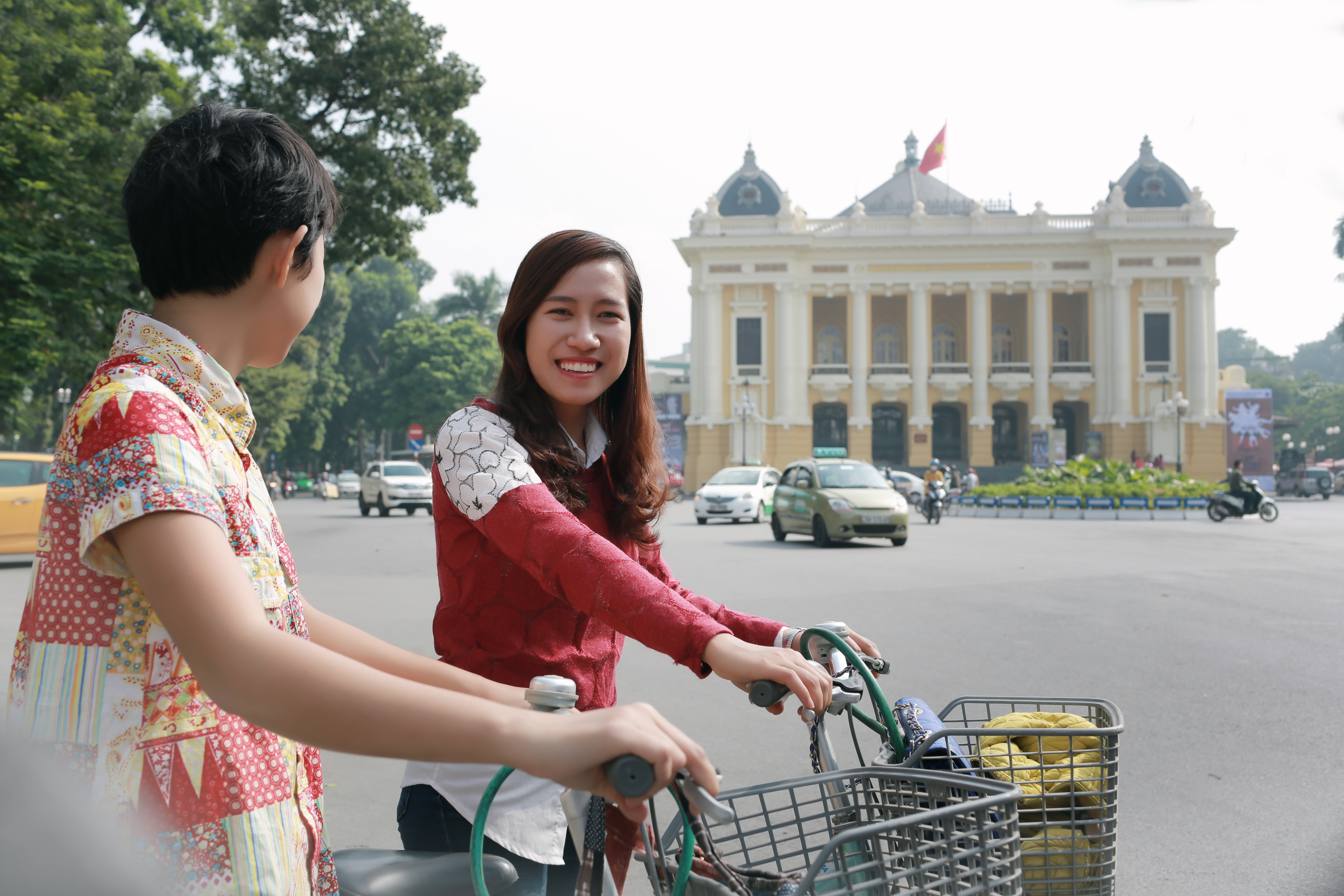 Julie, a Withlocal guide in Hanoi, will show you the ins and outs of her city on bicycle.