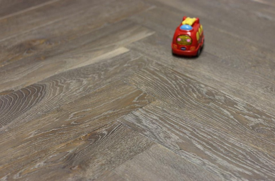 Engineered Oak Herringbone Cemento