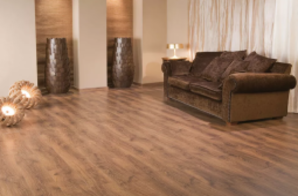 Comparing Luxury Vinyl Tiles vs. Laminate Flooring