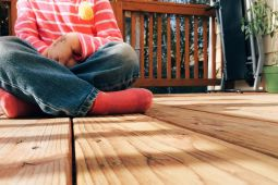 Exterior Decking Options - Choosing Hardwood, Softwood or Composite?