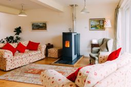 Natural Oak Flooring Excellent Backdrop To Bright Colours